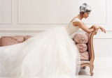 awesome-pose-of-a-beautiful-bride-on-a-sofa